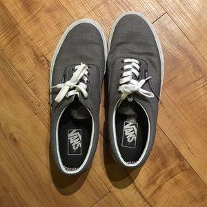 Brand new men's Vans gray sneakers! Size 10🖤